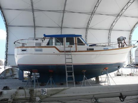 1995 Nauticat 33 Pilothouse Ketch Liv Aboard Brand New White Awlgrip
