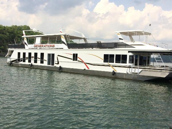 2008 Fantasy Houseboat