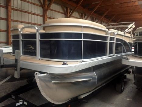 2018 BENNINGTON 168 SL - 8' Narrow Beam
