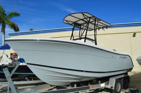 2017 Cobia Boats 201 CC