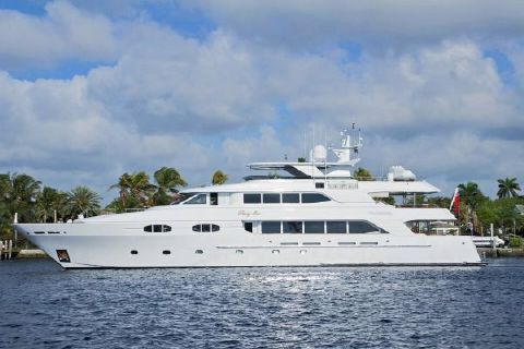 2004 Richmond 138 Motor Yacht