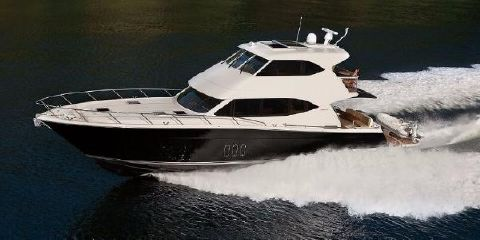 2017 Maritimo M62 Starboard Side