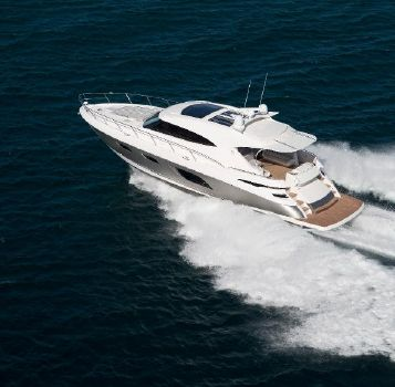 2016 Riviera 6000 Sport Yacht