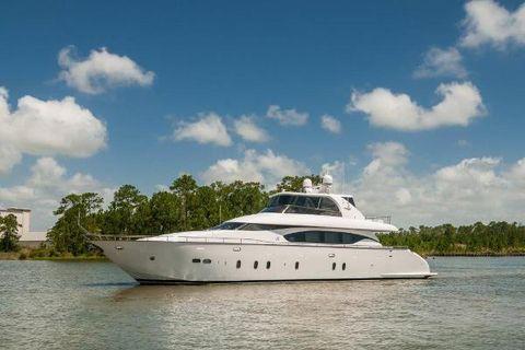 2015 Maiora 84 Motor Yacht Port Profile
