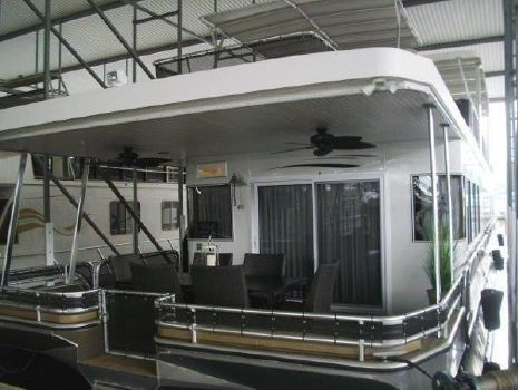 2008 Thoroughbred 19 x 88 Houseboat