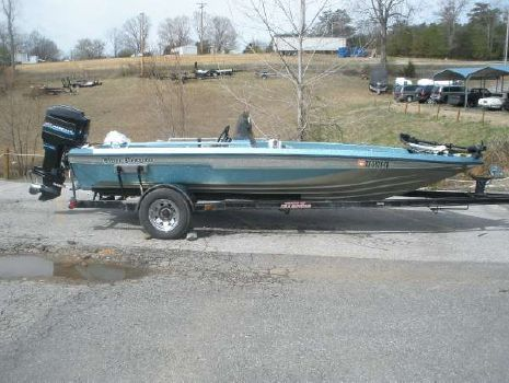 1990 Champion Boats 1991 Champion 171