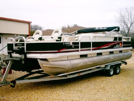 2012 SUN TRACKER 24 ft. FISHING BARGE