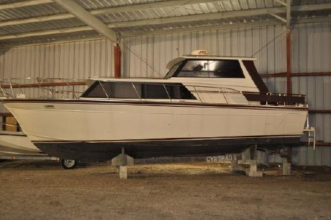1990 Marinette 32 Express Hard Top Port Side