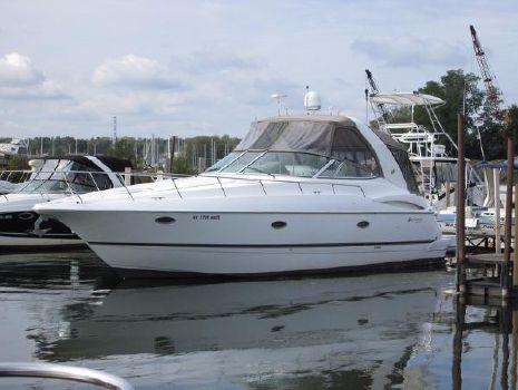 2004 CRUISERS YACHT 370 Express