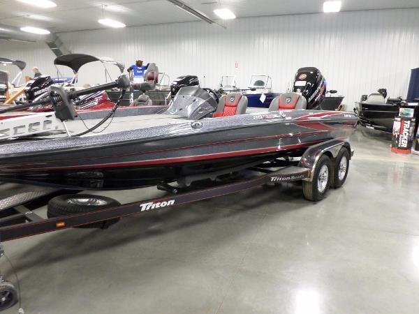 Fishing boat new and used boats for sale in michigan for Fish express kalamazoo mi