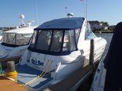 2001 Cruisers Yachts 3672 Express