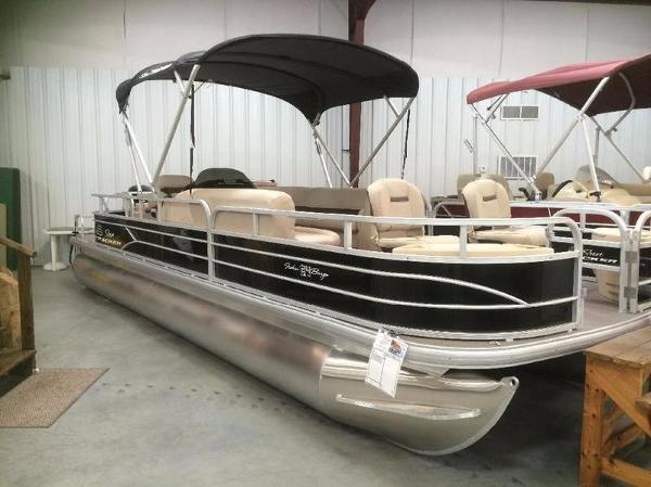 2017 Sun Tracker Fishin' Barge 24