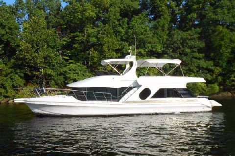 2002 Bluewater Yachts 5200 LE Custom Port profile