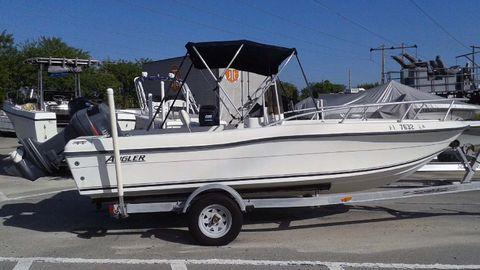 2001 Angler Boats 180 F