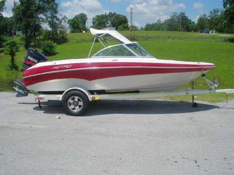 2000 Astro Boats 1852SL