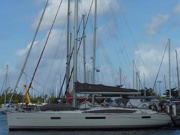 2011 Jeanneau 53 Cruising Sailboat Profile