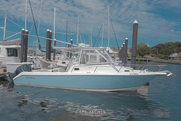 2004 Cobia 312 Sport Cabin