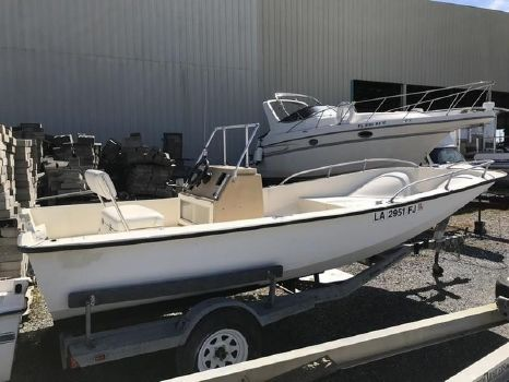 1981 MCKEE CRAFT 17 Center Console HULL & TRAILER ONLY