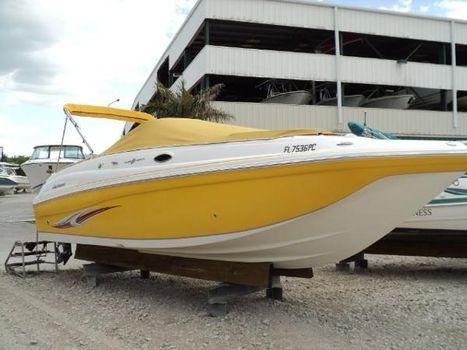 2011 Hurricane SunDeck 2700 OB