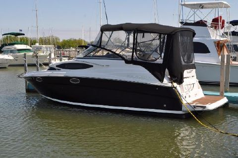 2011 Regal 2565 Express Cruiser Starboard Side