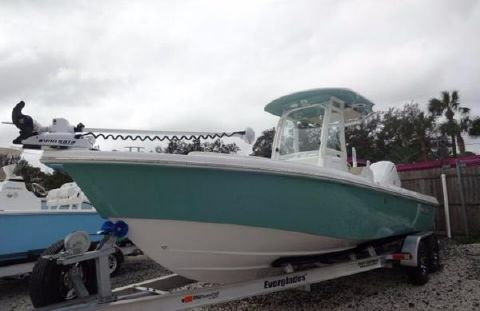 2017 EVERGLADES BOATS 243 Center Console