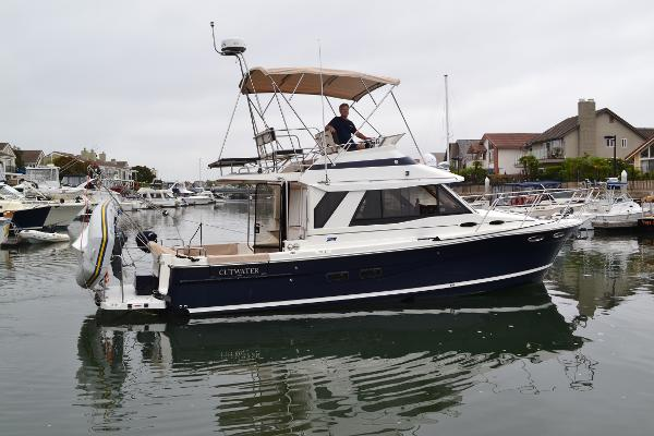 2014 Cutwater 30' Command Bridge Sea Wind'O