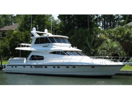 2003 Johnson Enclosed Flybridge