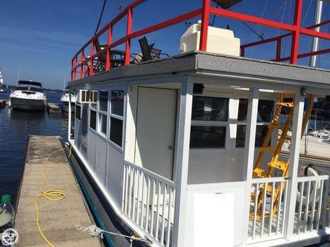 2004 Custom-craft 31FT 4-Pontoon Houseboat 2004 Custom 31 for sale in Terrell, NC