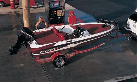 2003 Nitro 640 LX