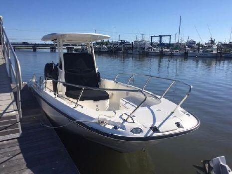 2014 Boston Whaler 270 Dauntle