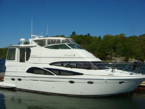 2005 Carver 46 Motoryacht 46' Carver starboard forward profile