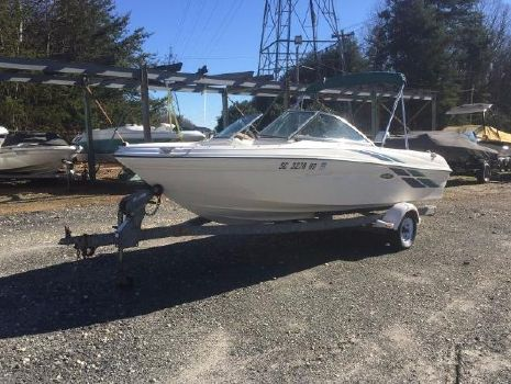 1998 SEA RAY 180 Bow Rider