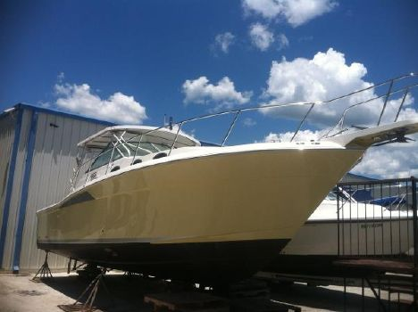 2004 Wellcraft 330 Coastal