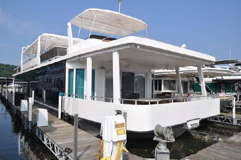 2012 Thoroughbred 21' x 103' House Boat