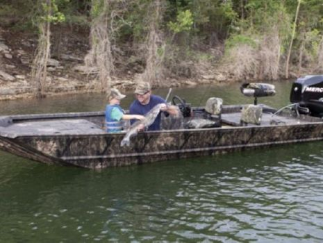 2015 LOWE BOATS Hunting Roughneck 1860 SC