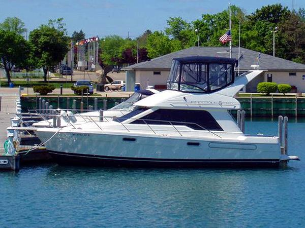 1997 Bayliner 3388 Port Profile