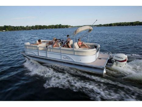 2015 SunChaser Classic Cruise 8522 Lounger