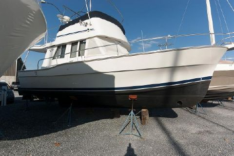 1999 Mainship 350 Trawler Starboard Side