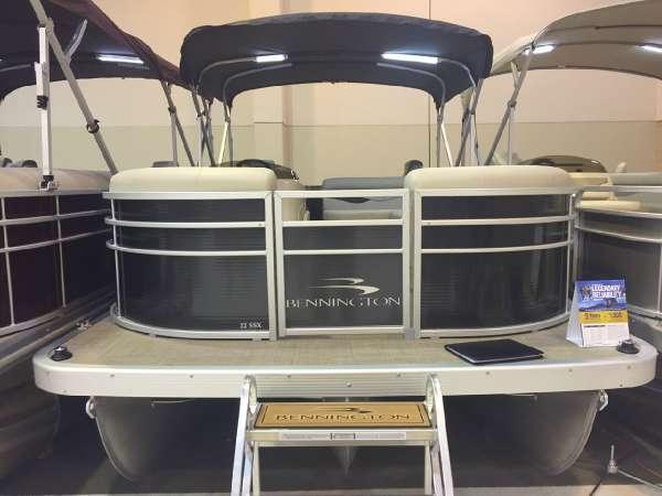 2016 Bennington 22 SSX Dual Stern Gates