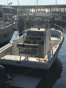 2002 Caravelle Boats 230 Center Console