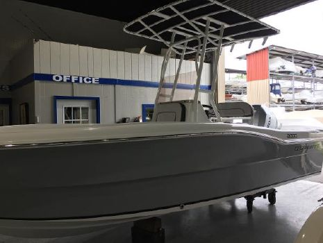 2020 CLEARWATER 2000 CENTER CONSOLE