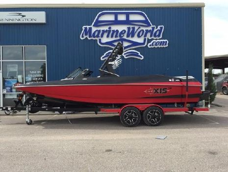 2016 Axis Wake Research A24