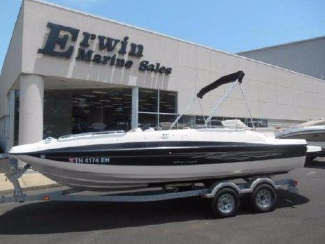 2013 Bayliner 217 Deck Boat
