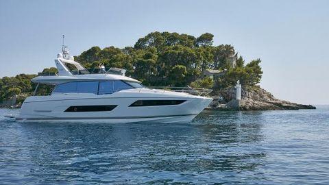 2016 Prestige 680 Motor Yacht
