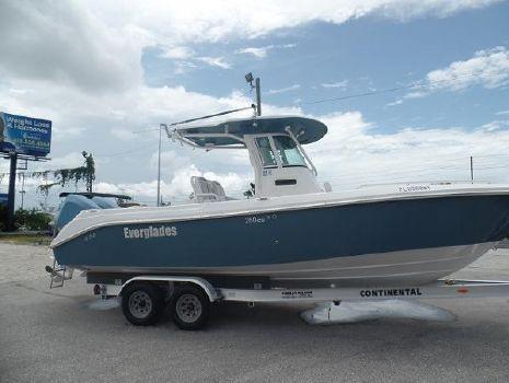 2007 Everglades Boats 260 Cc