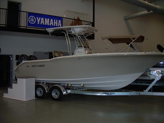 2015 Key West CENTER CONSOLE 244CC