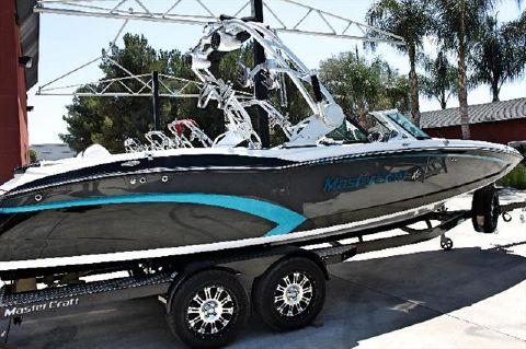 2015 Mastercraft Wakeboarding Boat X46
