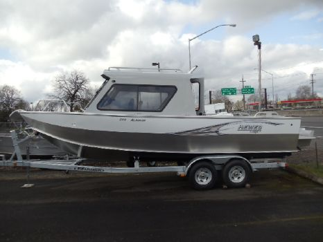 2015 Hewescraft 240 Alaskan