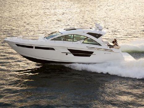 2017 Cruisers Yachts 54 Cantius