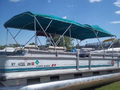 1995 Tracker Party Barge 24
